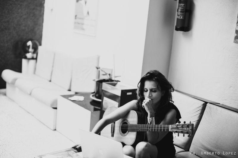 Chiara Civello in studio