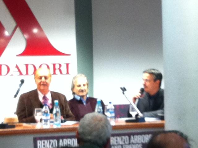 Renzo Arbore durante l'intervista. Alla suas sinistra il suo responsabile comunicazione Daniele Mignardi