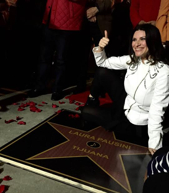 Laura Pausini nella Walk of Fame di Tijuana