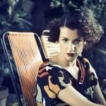 Sara Loreni e la sua soundtrack natalizia in una bag alla…Mentha