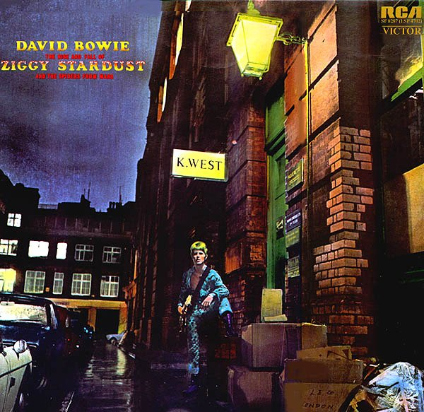 "La cover di ""The Rise And Fall Of Ziggy Stardust And The Spiders From Mars"""