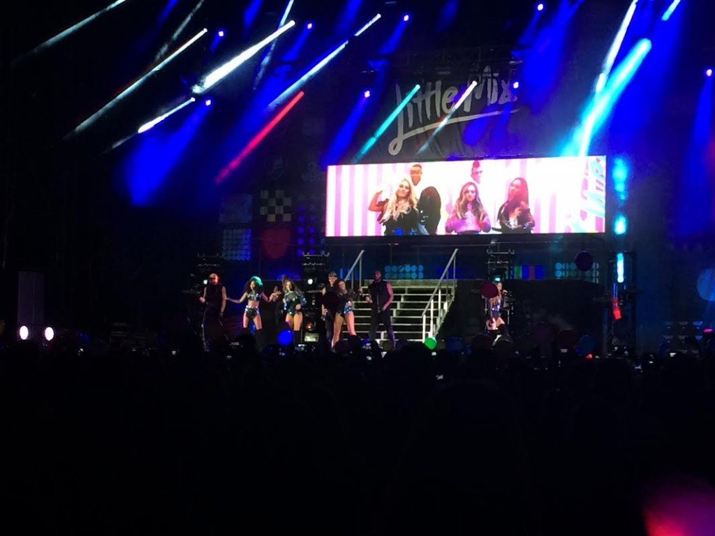 Little Mix in concerto