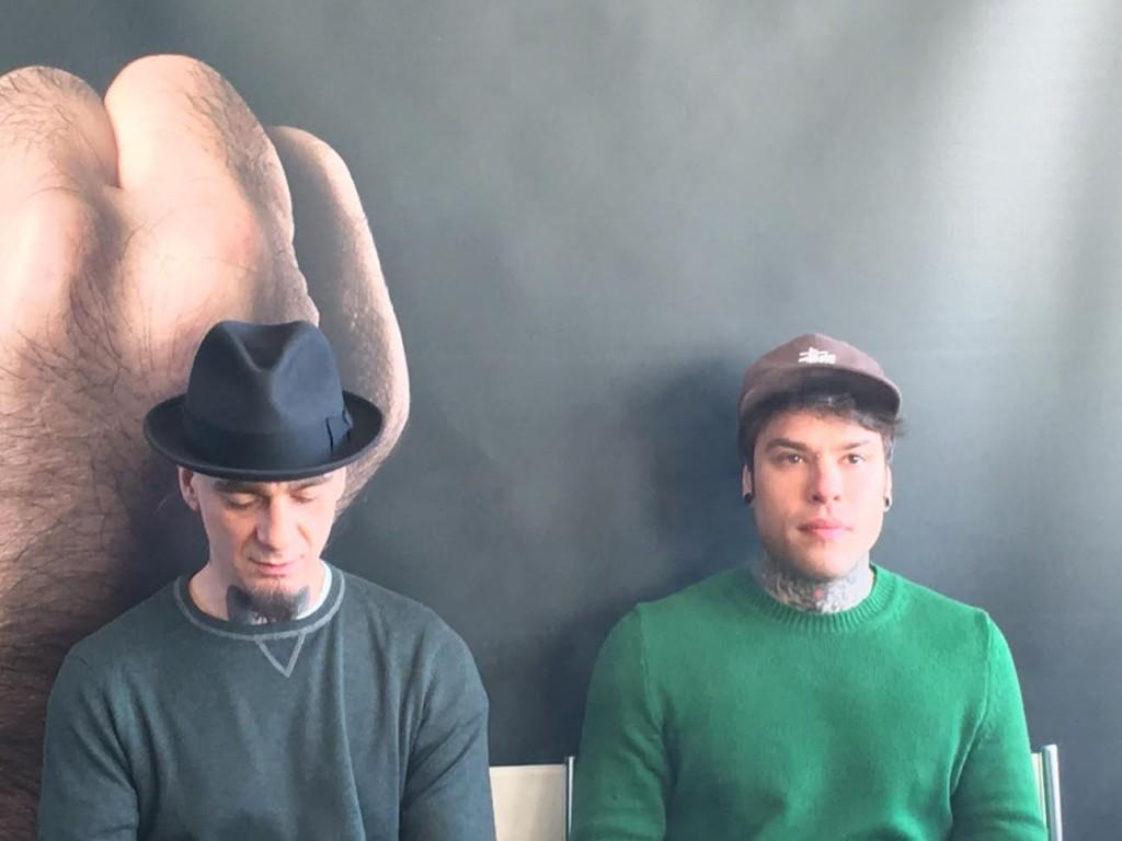 J Ax e Fedez durante l'intervista