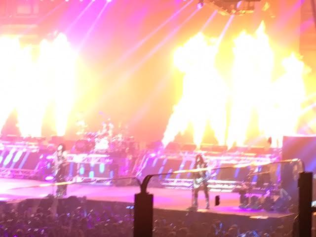 Il fiammeggiante palco dei Kiss