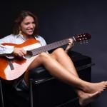 Vivere è il nuovo singolo di Angela Nobile: guarda il video