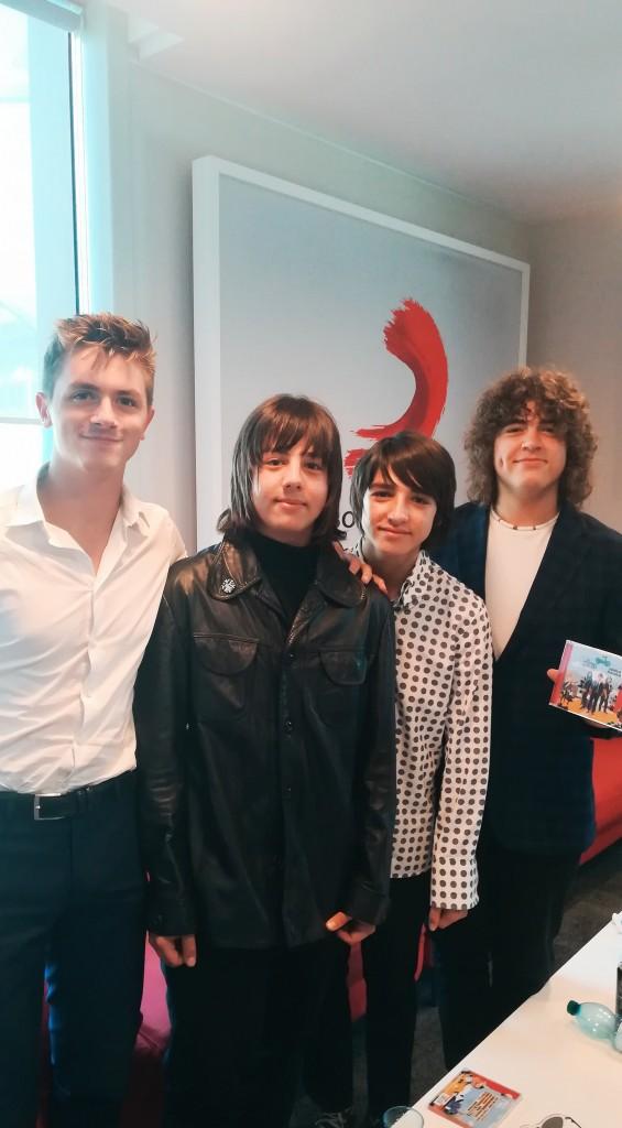 Alberto Dotti (primo da sinistra) con The Minis